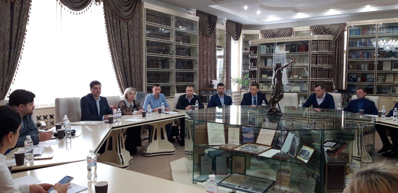 """Обговорення проекту Закону України """"Про внесення змін до деяких законодавчих актів України щодо примусового виконання рішень."""